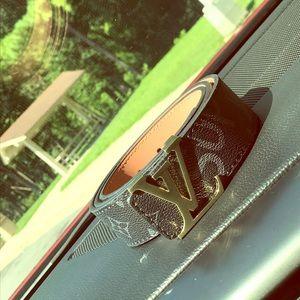 Louis Vuitton Supreme belt 32/34